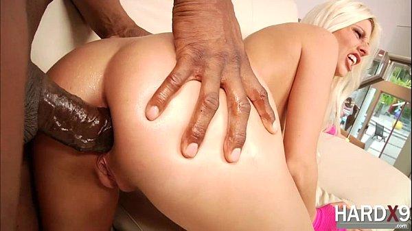 Anal filme porno loira sendo arrombada